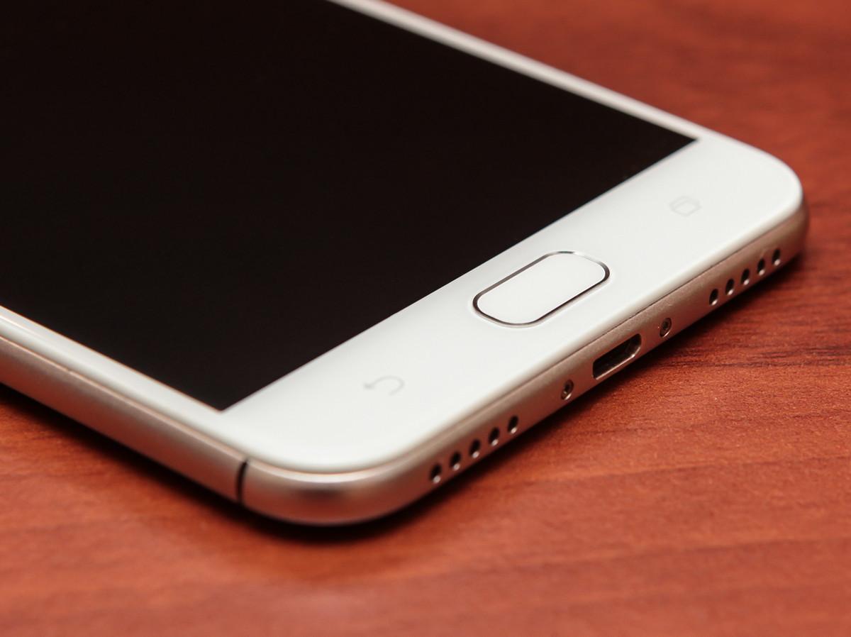 Обзор смартфона ASUS ZenFone 4 Selfie - 12