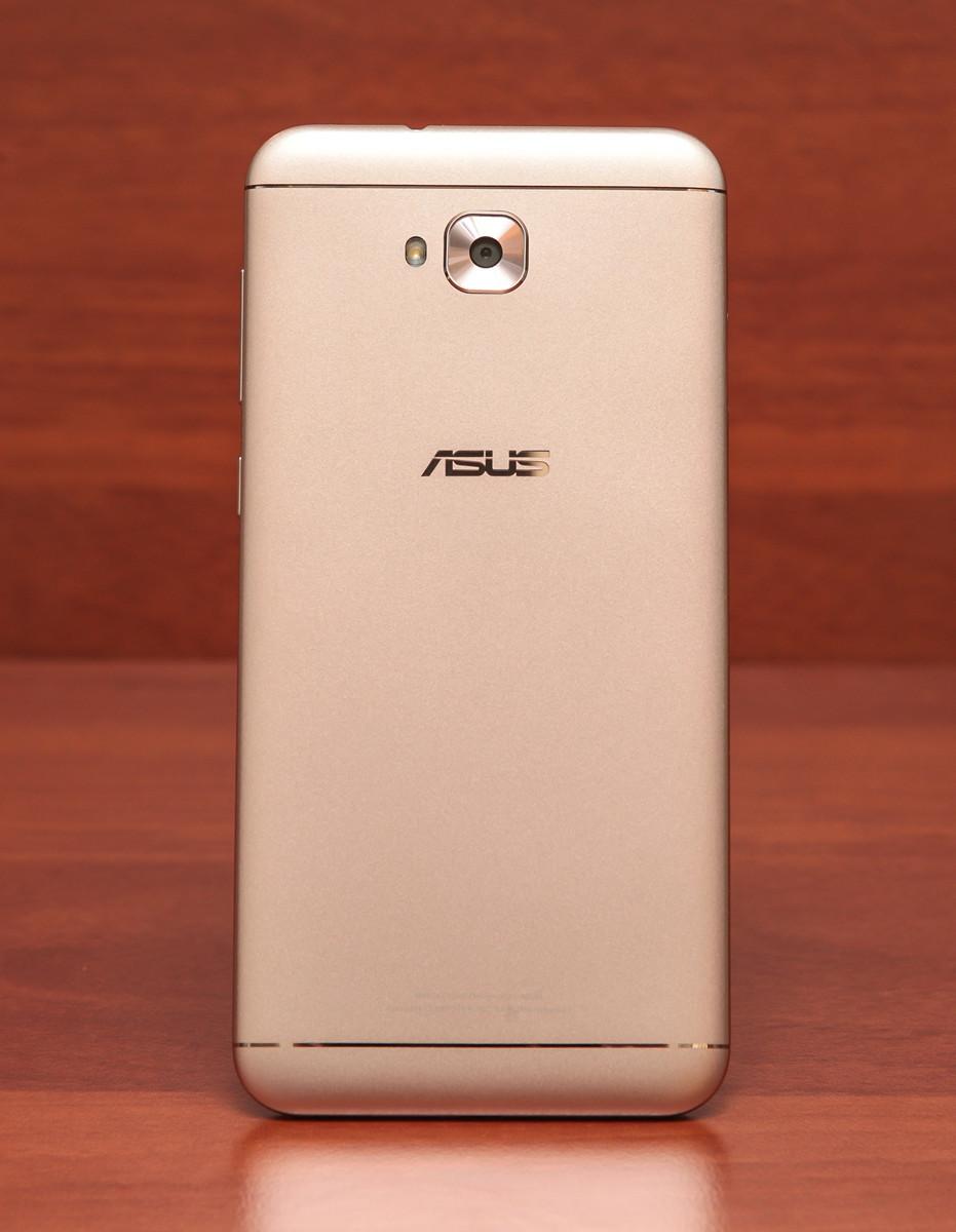 Обзор смартфона ASUS ZenFone 4 Selfie - 13