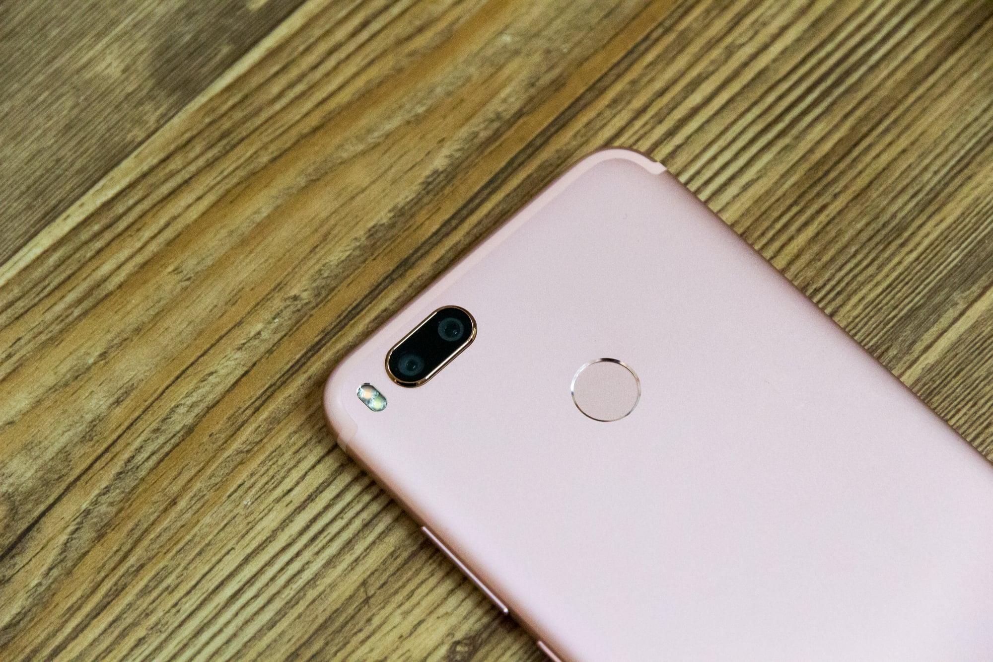 Обзор недорогого смартфона с хорошей для этой цены камерой. Изучаем Xiaomi Mi 5X (он же A1) - 6