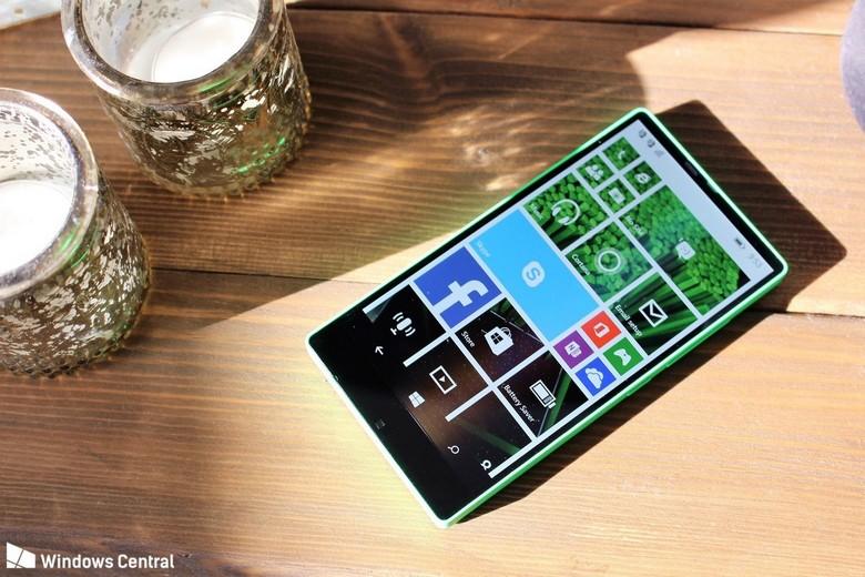 Microsoft могла стать законодателем моды в мире безрамочных смартфонов