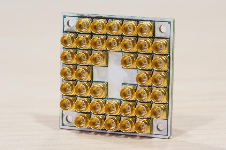 Intel создала микросхему для квантовых вычислений, состоящую из 17 кубитов