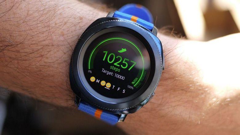Samsung назвала цены на Gear Sport и Gear IconX 2018