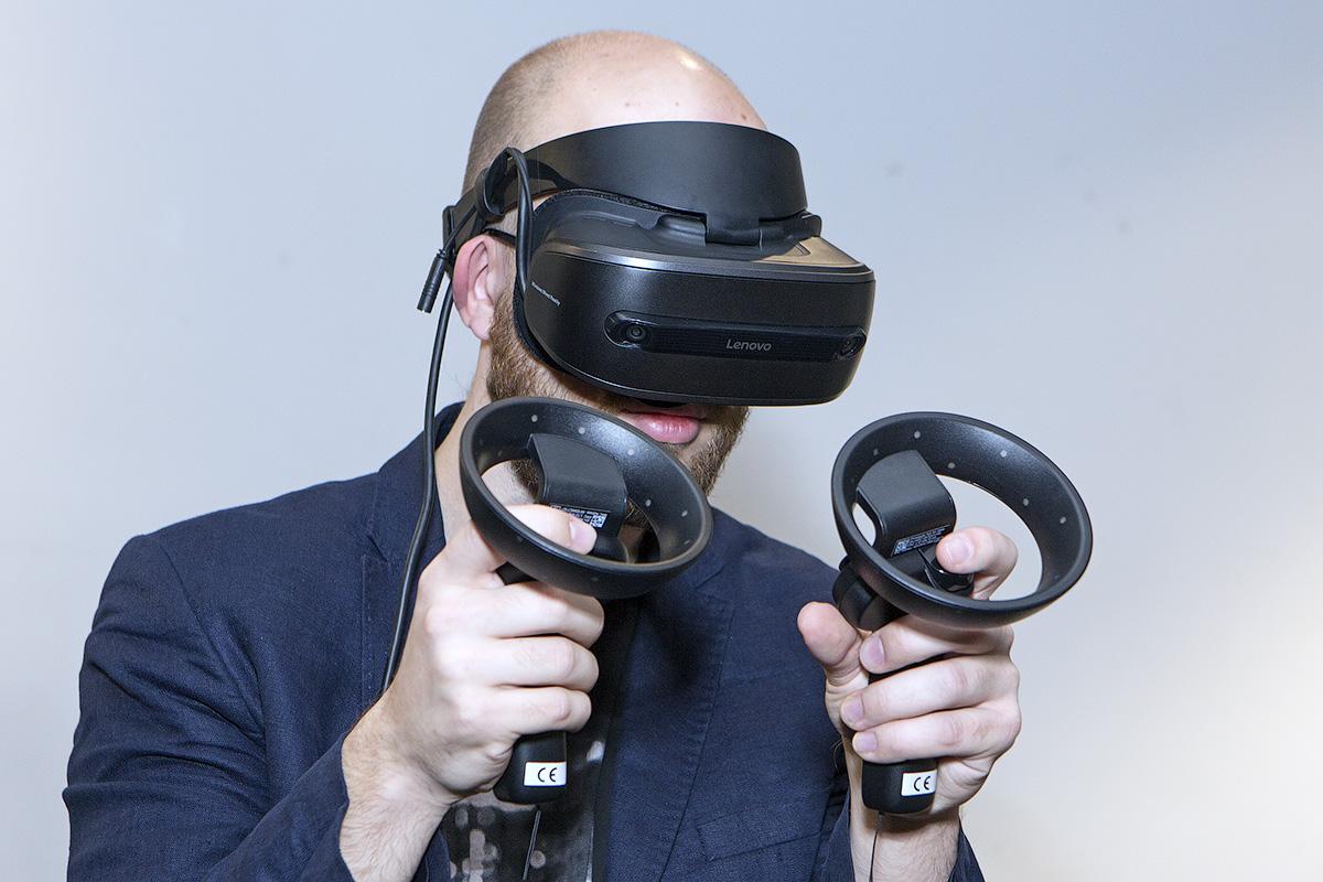 Lenovo Explorer и Microsoft Mixed Reality: виртуальная реальность для всех - 3