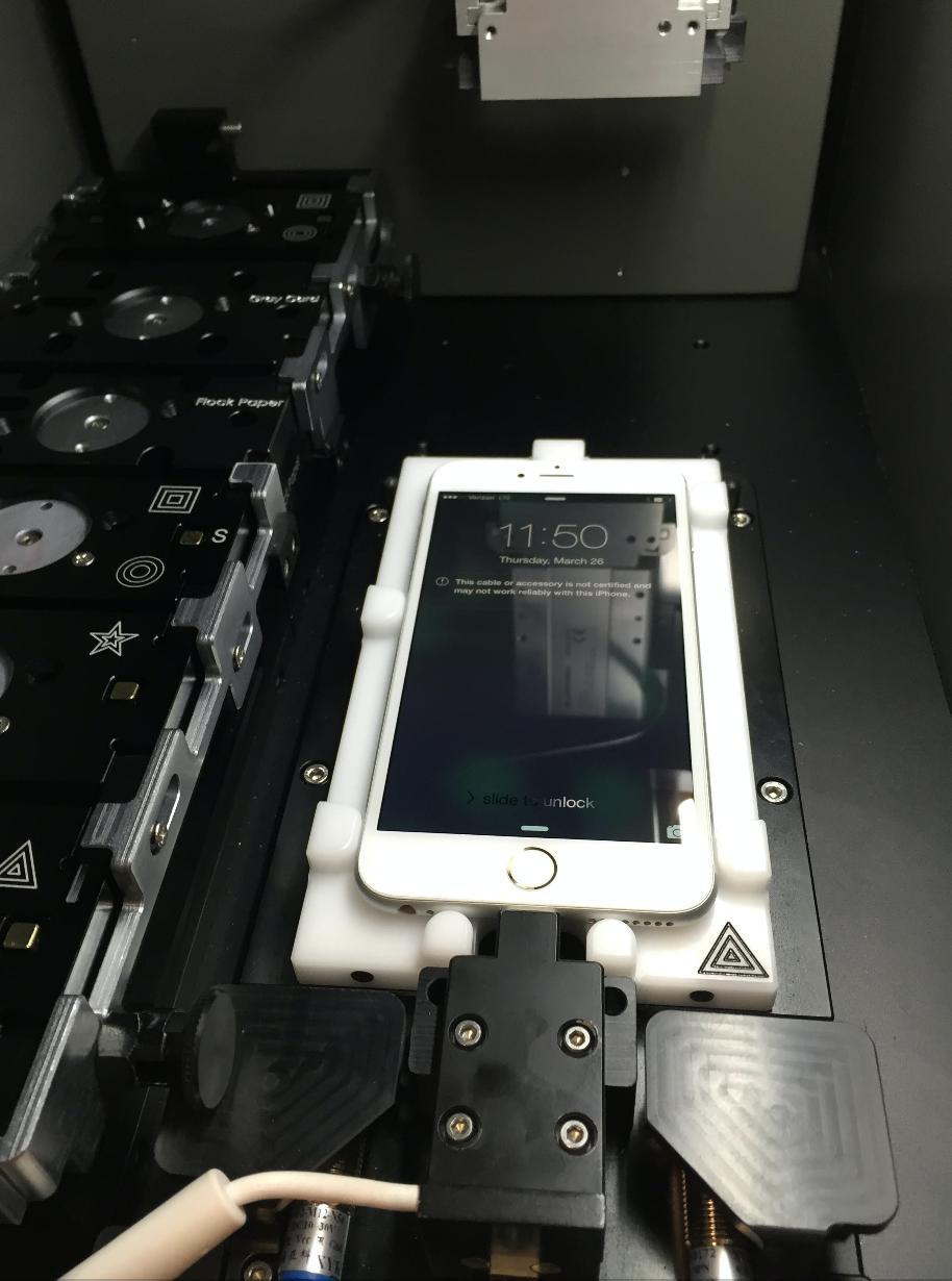Апдейт iOS 11.0.3 показал, что Apple может отключать свои телефоны с неоригинальным дисплеем - 3