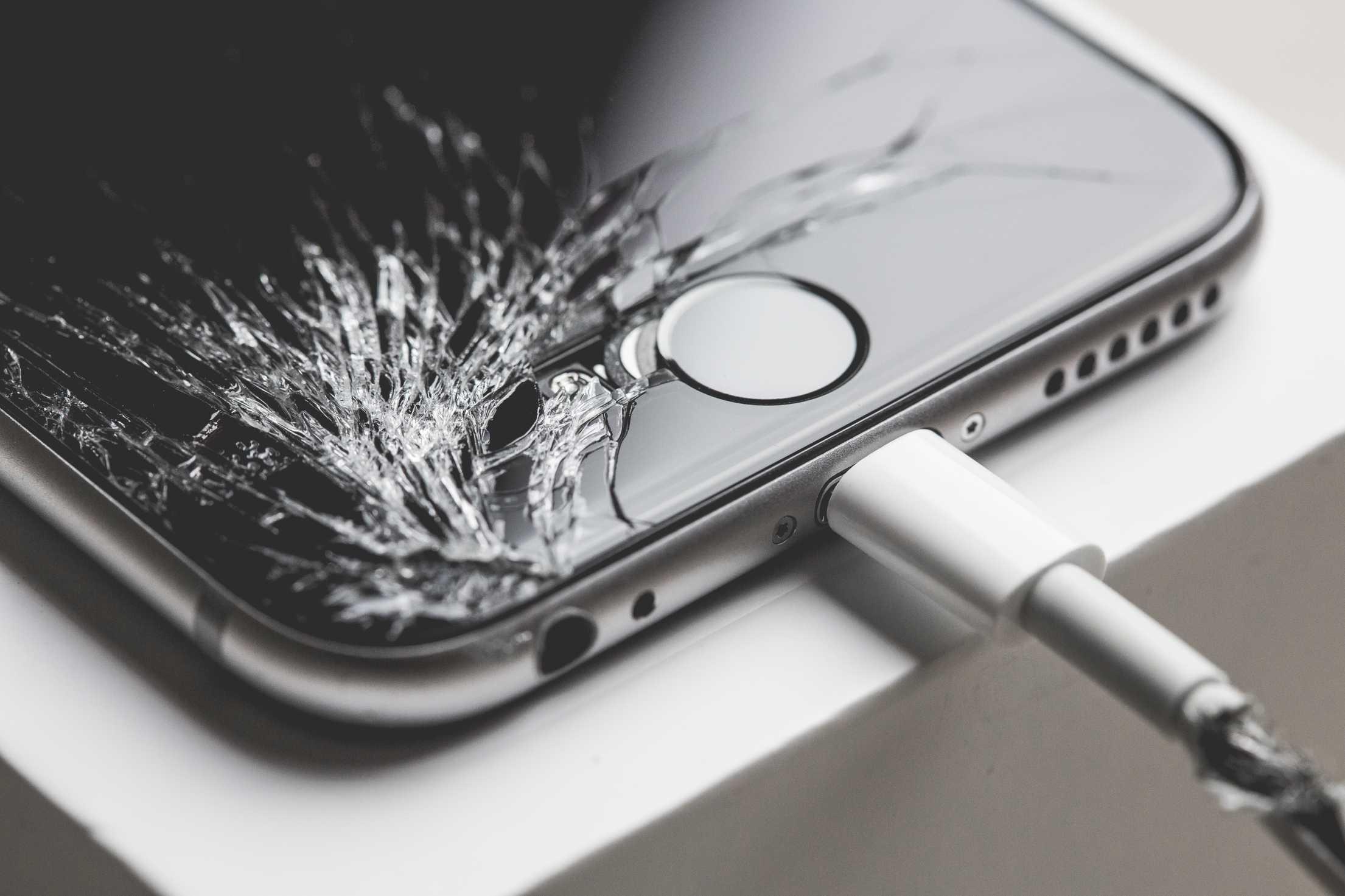 Апдейт iOS 11.0.3 показал, что Apple может отключать свои телефоны с неоригинальным дисплеем - 1