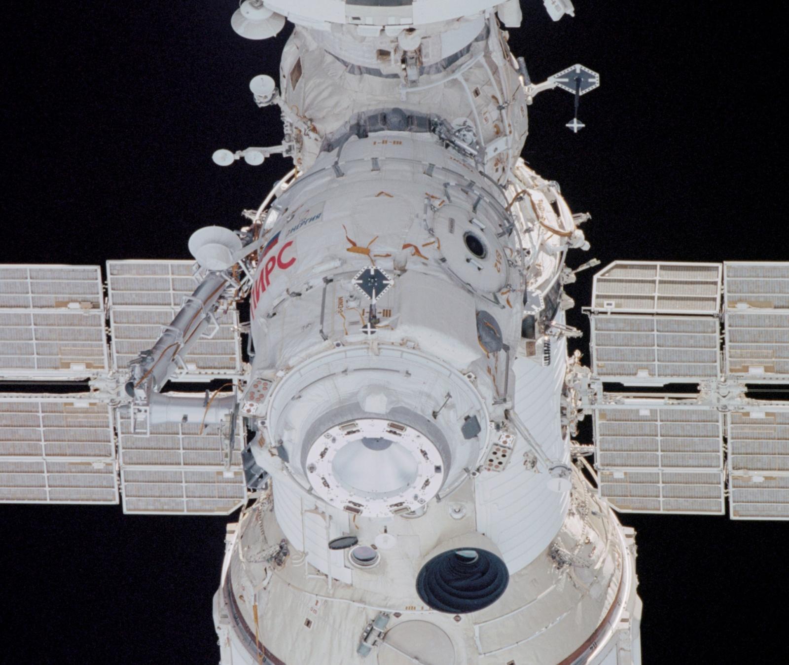 «Роскосмосу» доверили строительство шлюзового модуля на Международной лунной орбитальной станции - 2