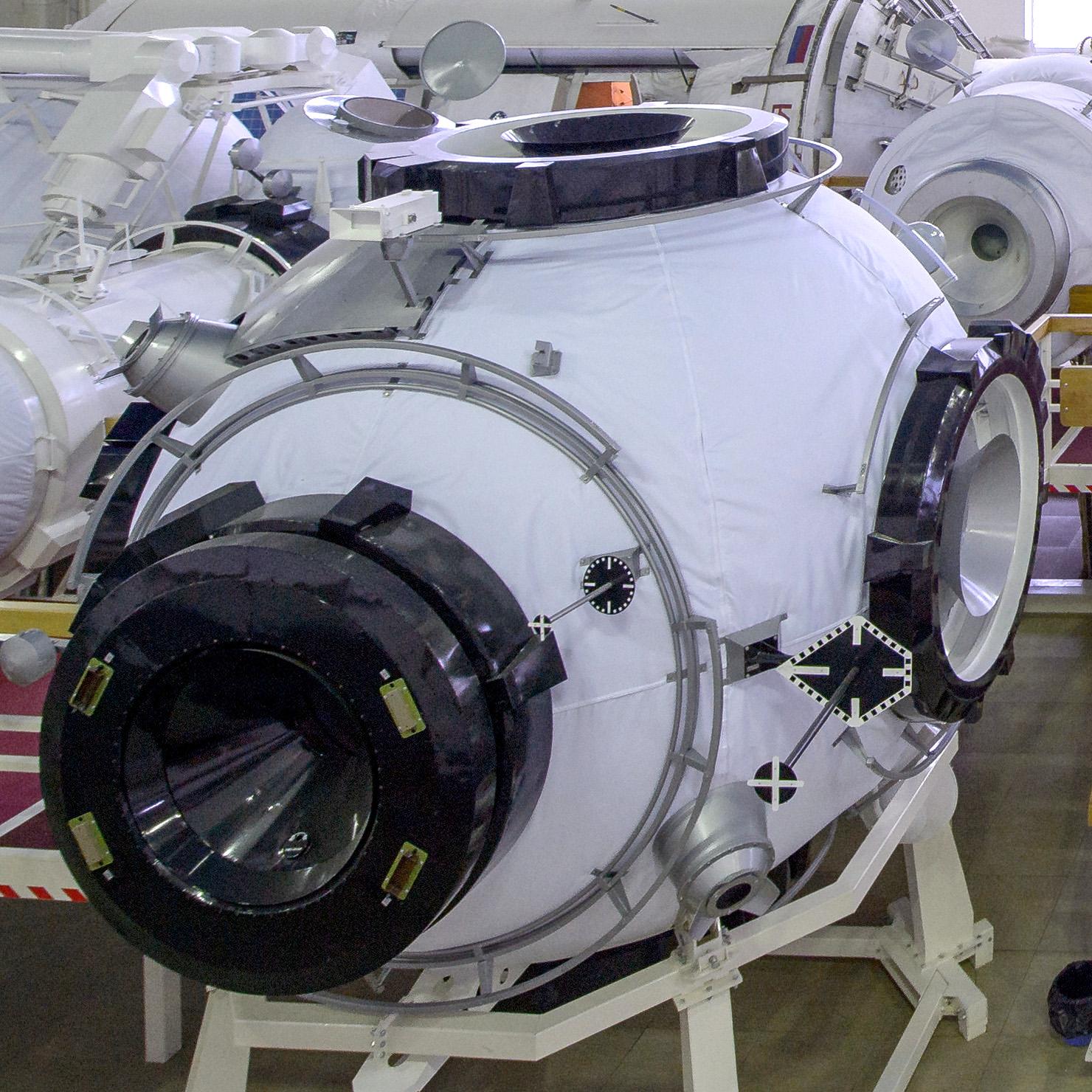 «Роскосмосу» доверили строительство шлюзового модуля на Международной лунной орбитальной станции - 3