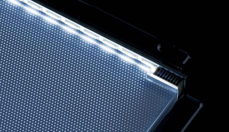 Технология mini-LED может найти применение в самостоятельных дисплеях и в системах подсветки жидкокристаллических дисплеев