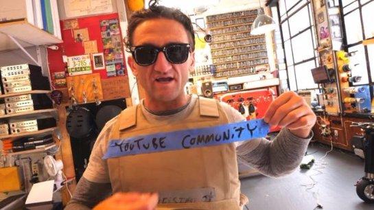Звезда YouTube Кейси Нейстат расскритиковал руководство сайта