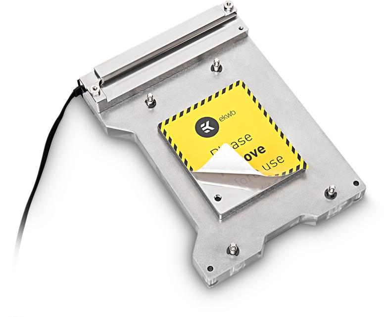 EK-FB ASUS ROG ZE RGB Monoblock можно использовать даже с помпами небольшой мощности