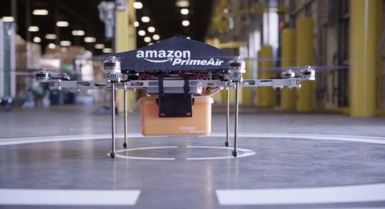 Запатентован дрон, который может зарядить электрокар во время движения