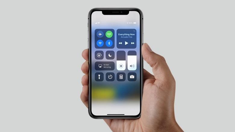 iPhone X может немного подешеветь за счёт уменьшения объёма памяти