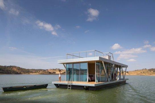 Американская компания представила автономный плавучий дом