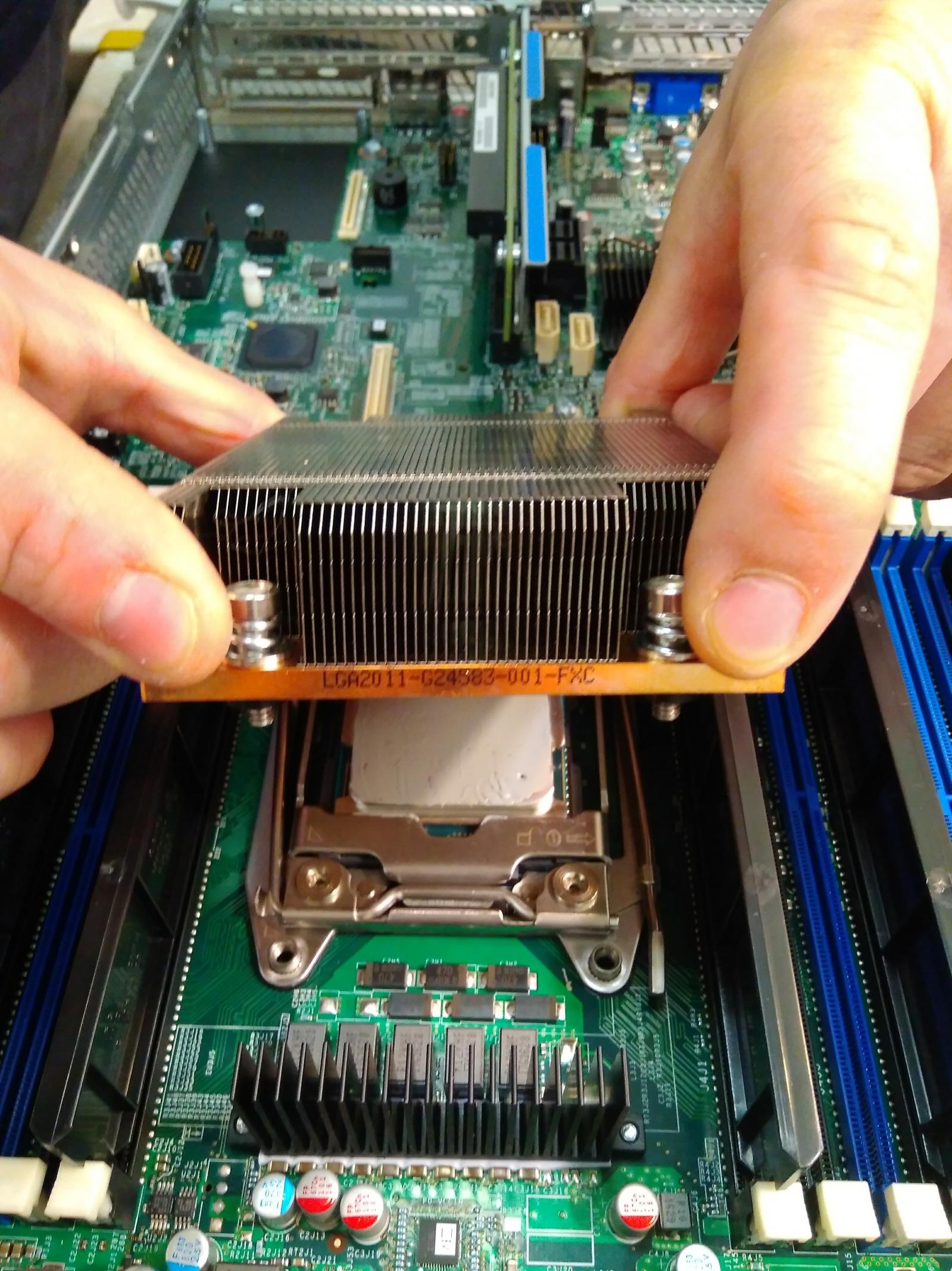 Покупка современного сервера Intel c NVMe P4800X - 10