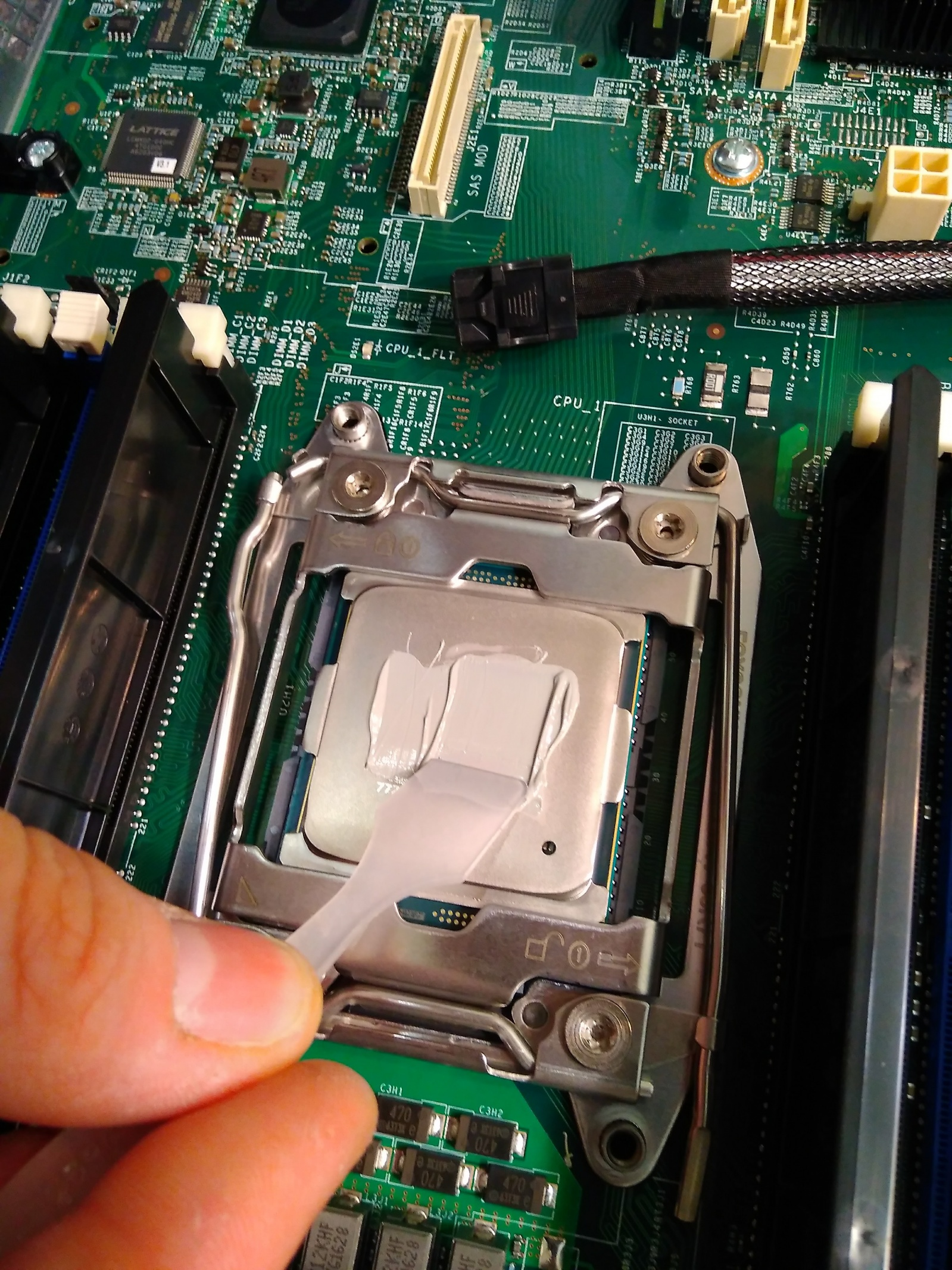Покупка современного сервера Intel c NVMe P4800X - 9