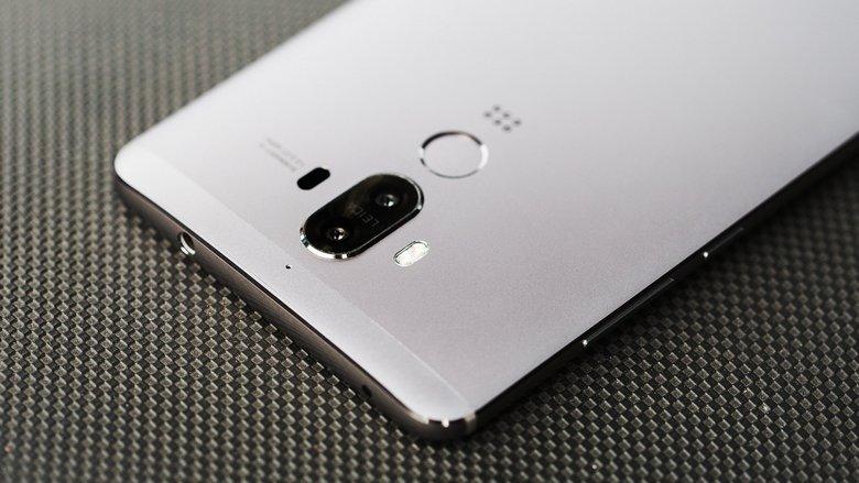 Huawei нарастила продажи смартфонов на 19%