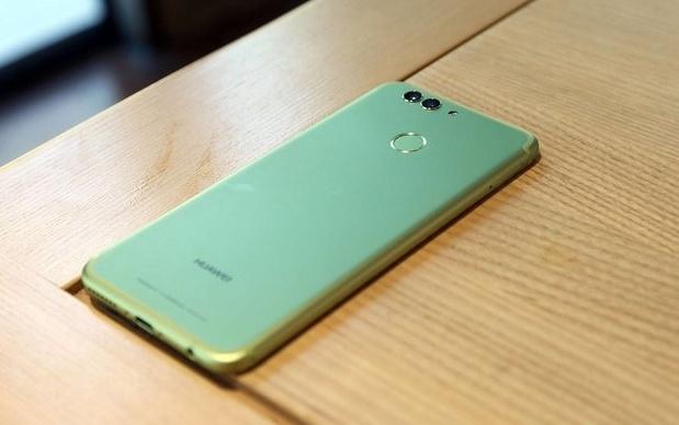 Смартфон Huawei Nova 3 выйдет в декабре
