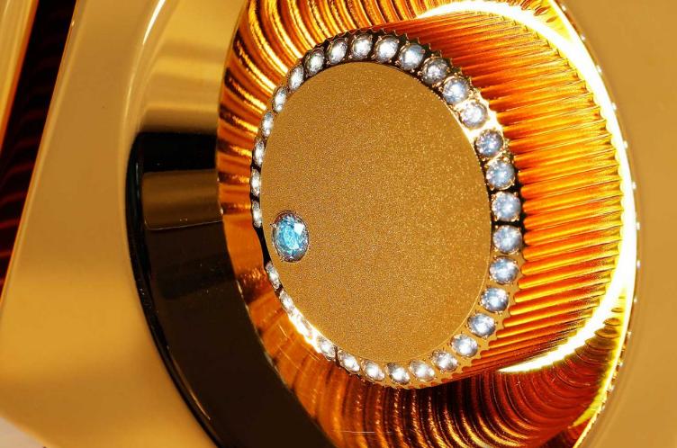 Астрономия ценообразования: безумие роскоши, спорные концепты, шедевры индустрии и 50 кг японского золота - 12