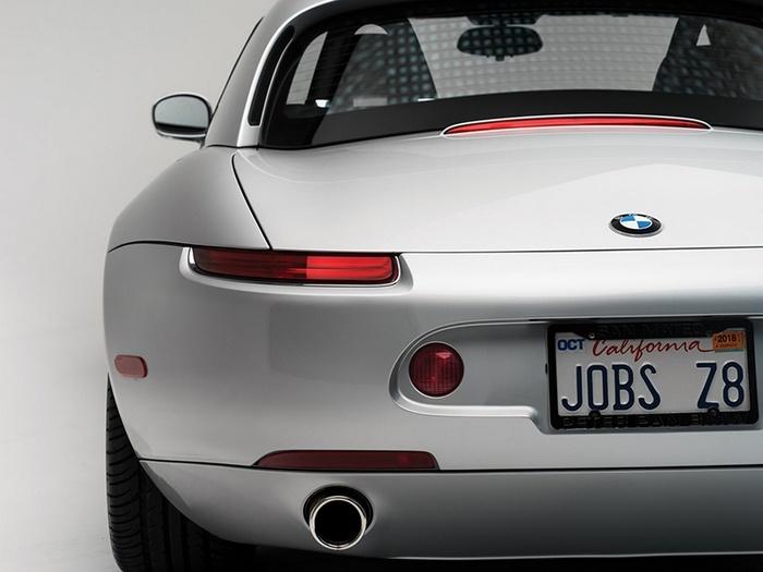 Автомобиль BMW Z8, первым владельцем которого был Стив Джобс, продадут на аукционе
