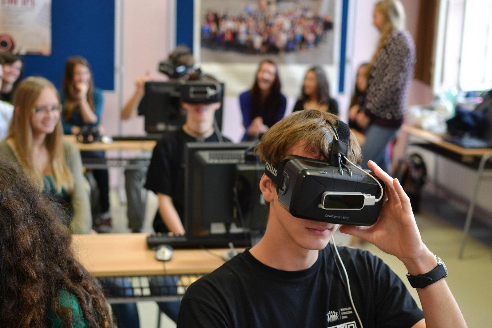 Ретроспектива очков и шлемов виртуальной реальности - 30