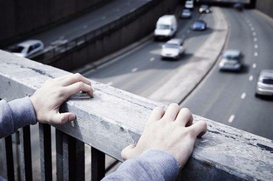 Специальный алгоритм может идентифицировать людей из суицидальными наклонностями