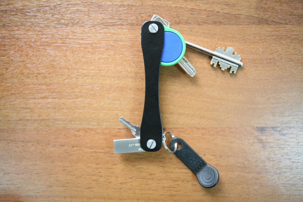 Нашей ключнице SmartPoket — год. И она подешевела - 1