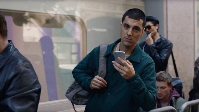 Samsung опубликовала рекламный ролик Galaxy Note8, в котором указываются недостатки смартфонов iPhone