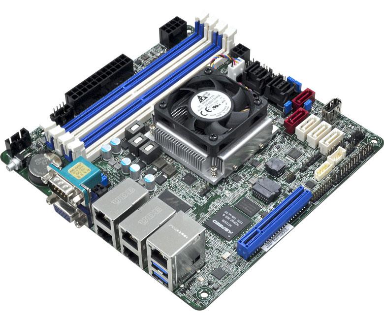 Системная плата ASRock C3758D4I-4L оснащена 13 портами SATA 6 Гбит с и пятью портами Gigabit Ethernet - 1