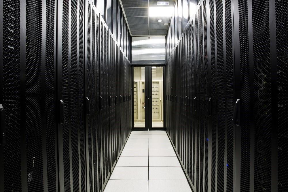 Почему хороший IaaS-провайдер не строит свой дата-центр: 5 основных причин - 1