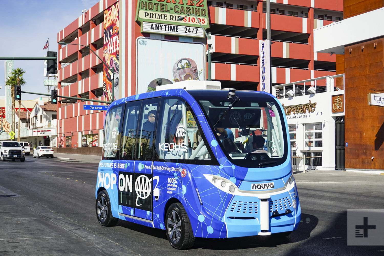 Причина аварии беспилотного автобуса в Лас-Вегасе — невнимательность человека - 2
