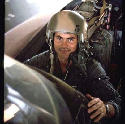 Энтузиаст сделал аудиокнигу по мемуарам Майка Маллейна «Верхом на ракете» - 3