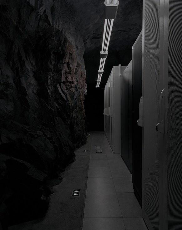 Храните свои сбережения…в бункере - 12
