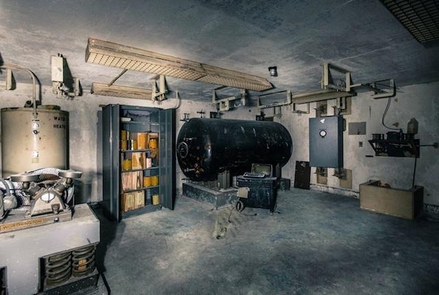 Храните свои сбережения…в бункере - 31