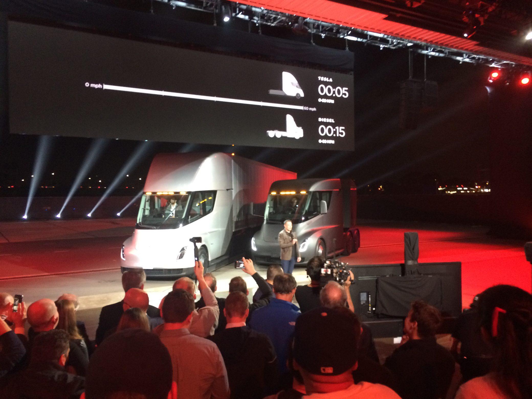Tesla Semi и Tesla Roadster 2 - 3