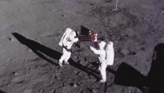 В сети были опубликованы новые доказательства так называемого «лунного заговора» США