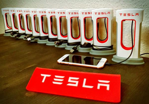 Tesla Powerbank стоит 45 долларов