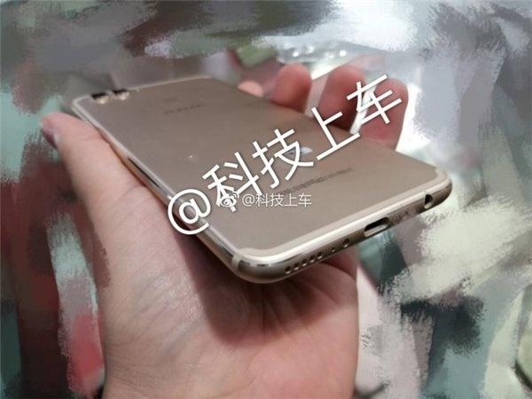 Опубликованы фотографии прототипа смартфона Aurora