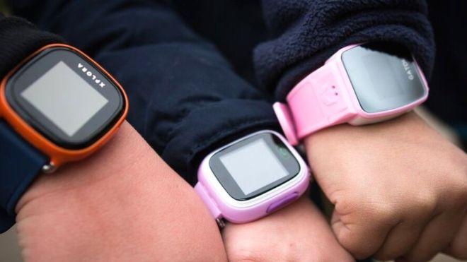 В Германии запретили детские умные часы