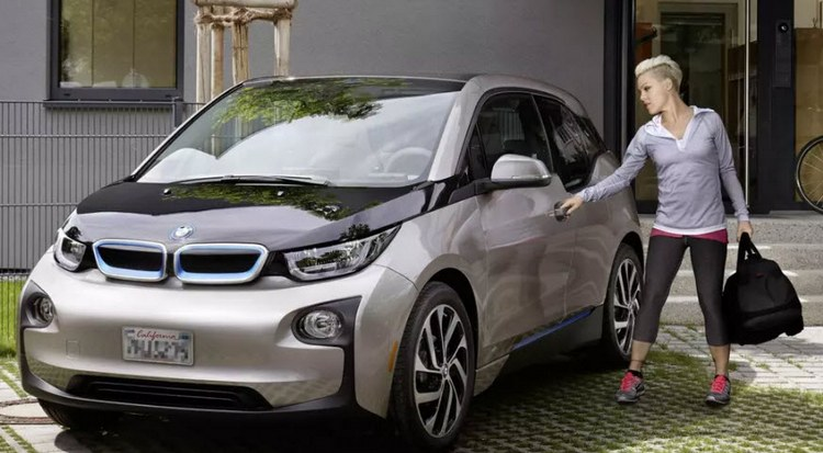 BMW отзывает все автомобили BMW i3 и временно прекращает продажи модели