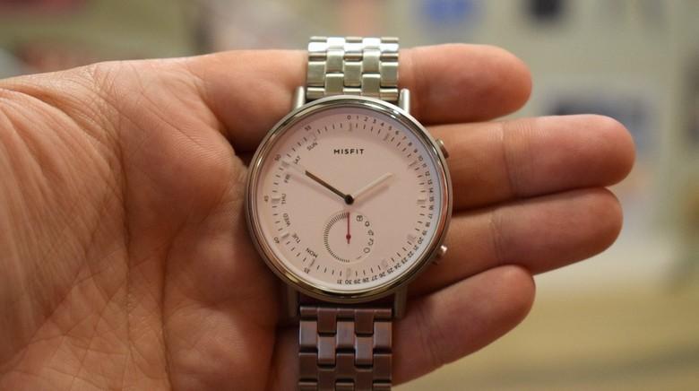 Часы Misfit Command оценены в 150 и 170 долларов