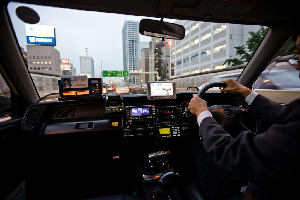 Обратная связь: как интерфейсы помогают водителям общаться с автомобилями - 1