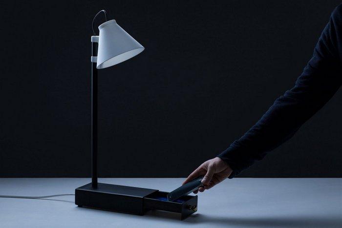 Substitute Phone и Offline Lamp призваны бороться с зависимостью от смартфонов