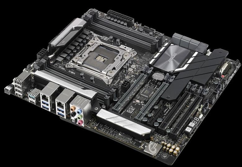 Помимо базовой модели, доступна разновидность WS C422 Pro SE