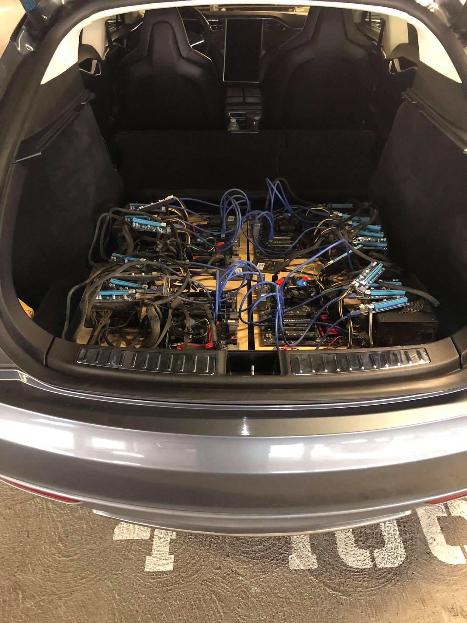 Хитрый владелец Model S майнит криптовалюту на станциях бесплатной подзарядки Tesla - 4