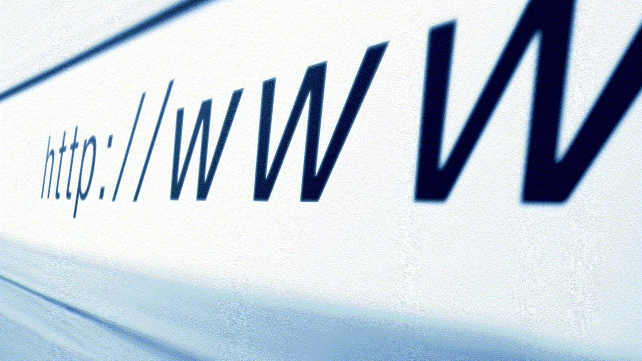 Минкомсвязи и МИД займутся созданием в странах БРИКС автономной системы корневых серверов DNS - 1