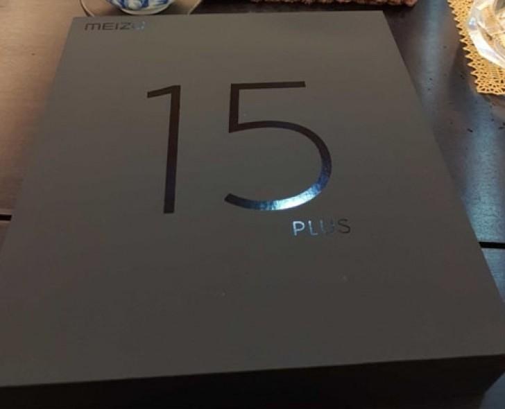 Глава Meizu показал фотографию коробки смартфона Meizu 15 Plus