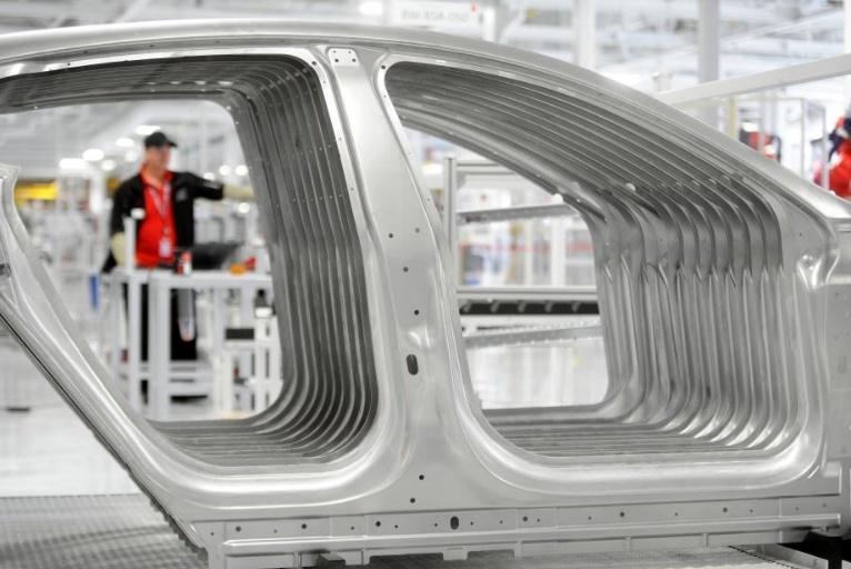 Источники сообщают, что у Tesla есть проблемы с контролем качества машин