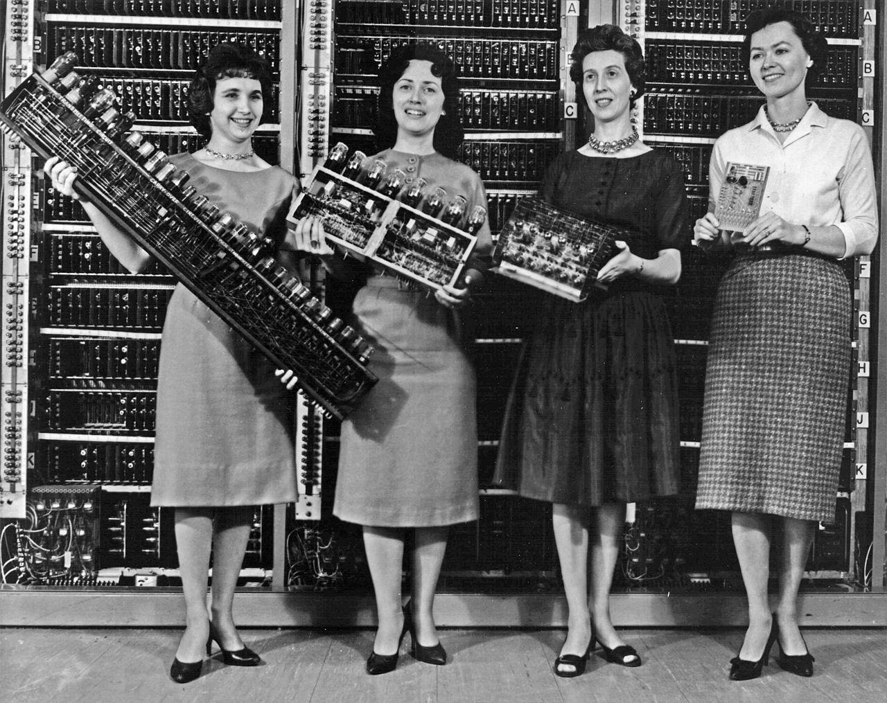Электронные компьютеры, часть 3: ENIAC - 1