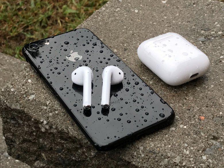 Apple сможет продать до 28 млн AirPods в следующем году