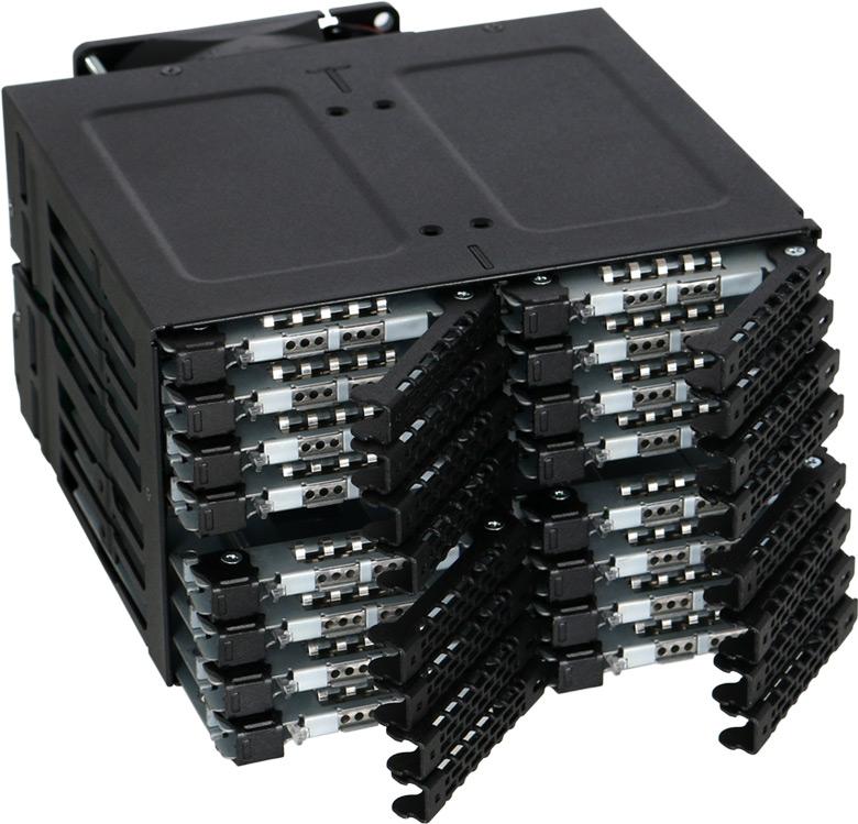 Icy Dock ToughArmor MB516SP-B обеспечивает возможность горячей замены накопителей
